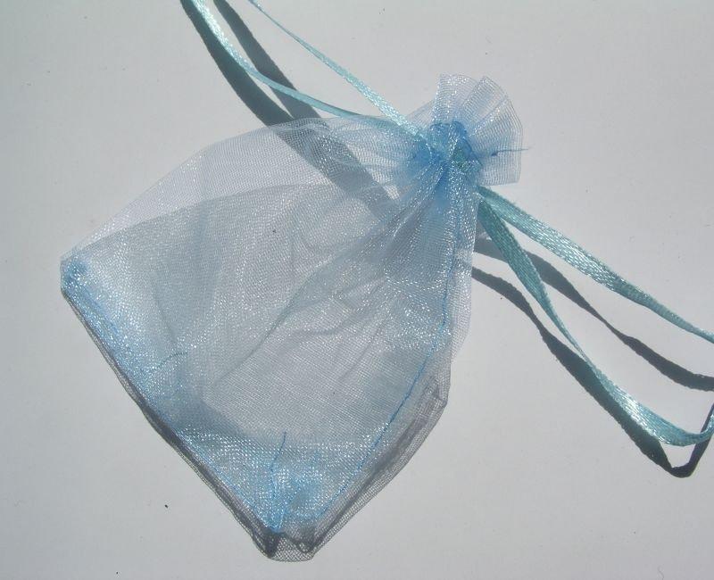 1358B - Saculet organza - 8.5 x7 cm - albastru deschis