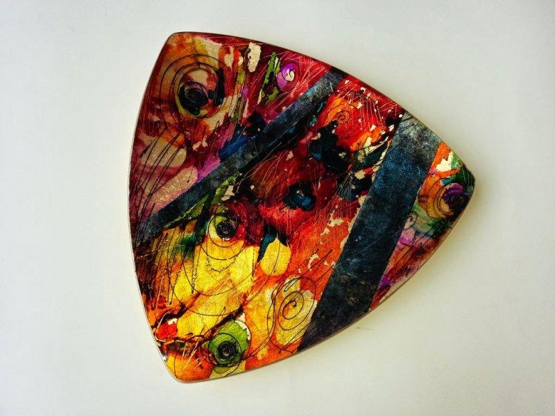 Platou de sticla triunghiular 33 cm, decorat manual - UNICAT