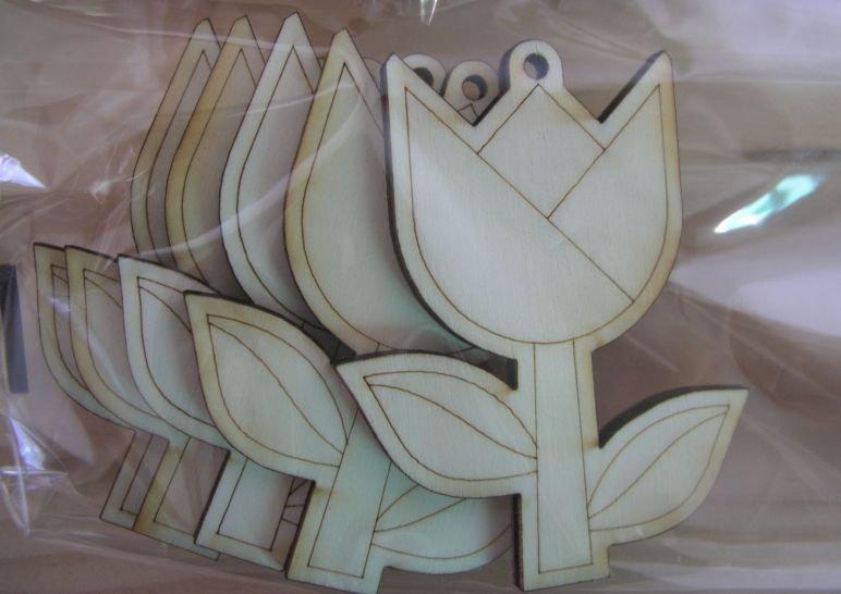 Set 5 forme lemn, nr 56, Pentart, lalea