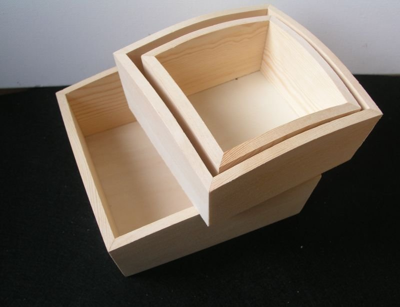 Set 3 farfurioare lemn, baza patrat - PENT - 703535